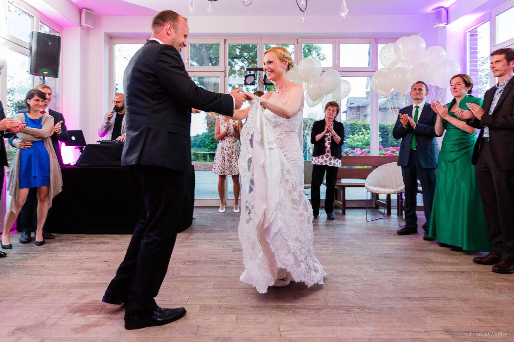 Hochzeitsfeier an der Oldenburger Hunte, Hochzeitsfotograf Thomas Weber aus Oldenburg
