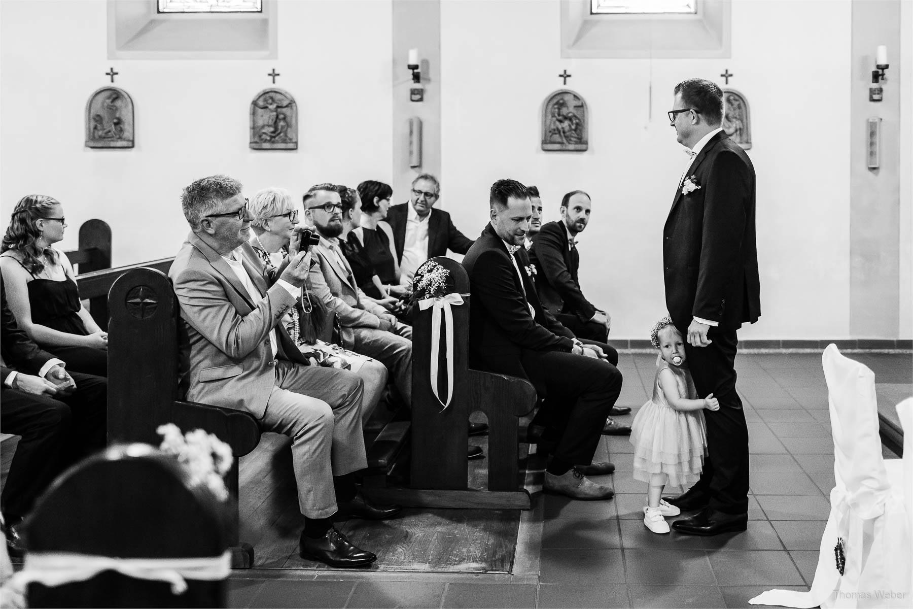 Kirche St. Marien in Rastede, Kirchliche Hochzeit in Rastede und Hochzeitsfeier in der Scheune St. Georg Rastede, Hochzeitsfotograf Thomas Weber aus Oldenburg